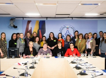 XXI amžius: mergaičių įgalinimas Baltijos šalyse