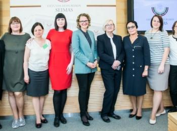 2018 gegužės 8 d. Seime vyko spaudos konferencija dėl teisės į nėštumo nutraukimą išsaugojimo